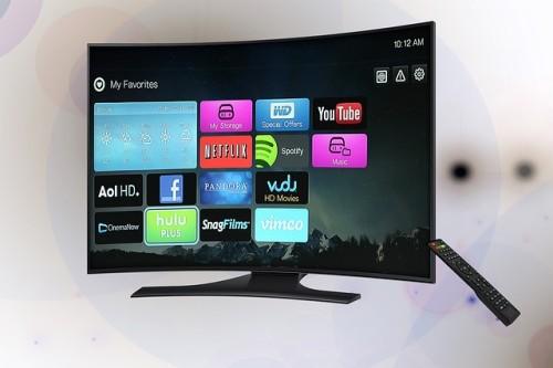 Internet TV con schermo curvo